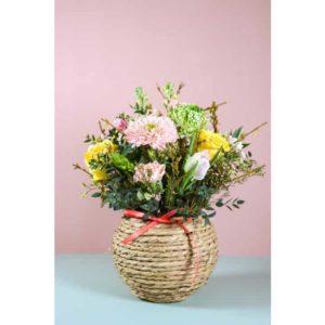 Bloemen met mandje