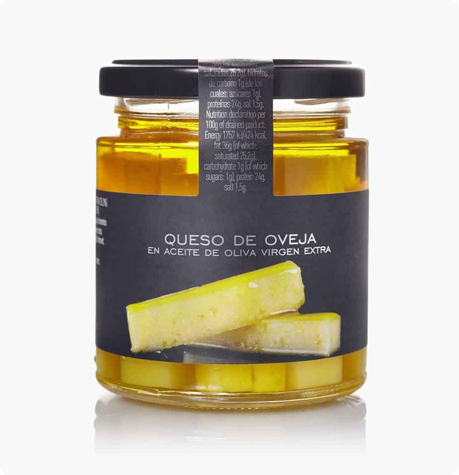 Spaanse kaas in olijfolie